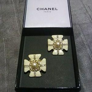 🌟RARE🌟 Vintage Chanel Cross/Clover Earrings